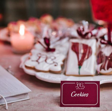 burgundy_winter_wedding (15).jpg