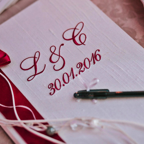 burgundy_winter_wedding (17).jpg