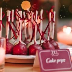 burgundy_winter_wedding (14).jpg
