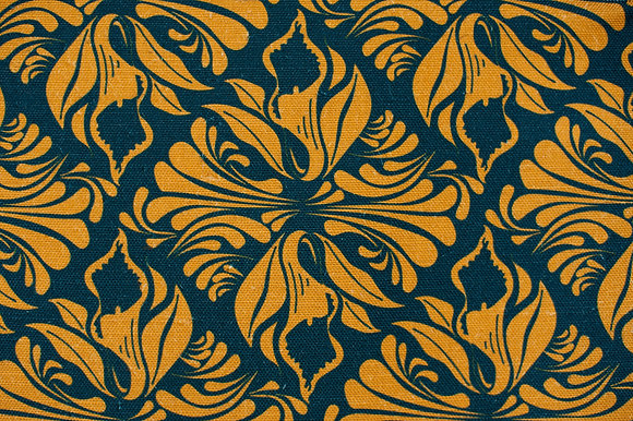 Calla Lily Midnight Gold fabric sample