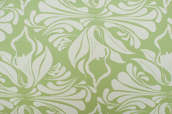 Willis Bloom Calla Lily Wallpaper in Apple Green