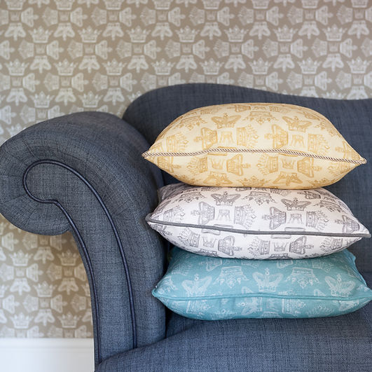 Willis Boom fabric inspiration in precious Jade, Golden and Warm graphite colors. Beautiful home ideas.