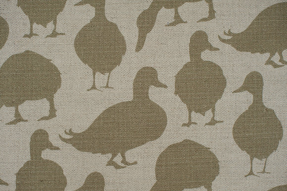 Willis Bloom Duck fabric in Fern green. Fabric ideas for beautiful homes. Love pattern.