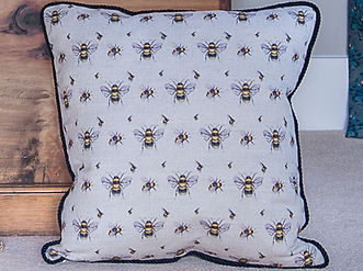 Willis Bloom Bee fabricin eal bee on Oatmeal. Cushion inspiration. Love pattern. Beautiful homes.