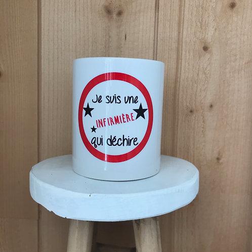 Mug: Infirmière qui déchire