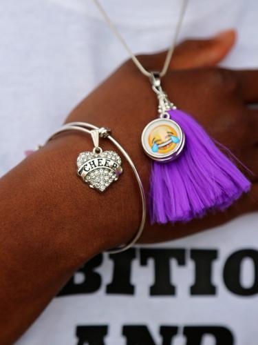 Snap tassle necklace