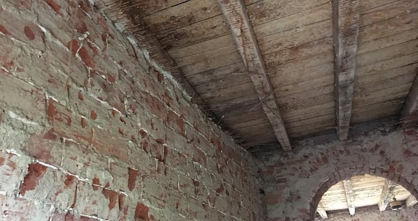 In una casa di ringhiera si riparte dalla struttura
