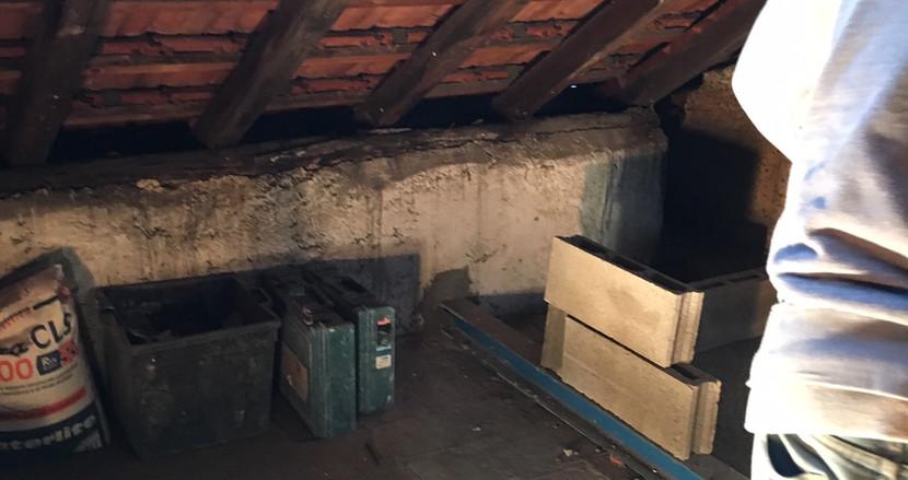 Una soffitta diventerà una camera con vista sui tetti