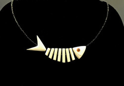 """""""Fish"""" necklace"""