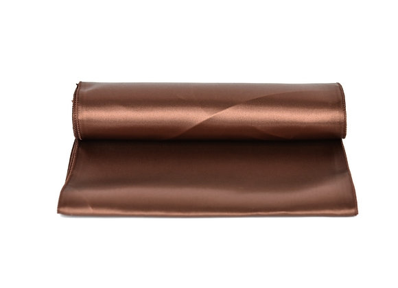 Chemin de table satin chocolat