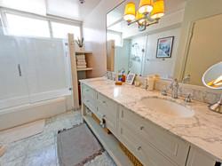Bathroom w/Tub and Shower