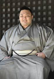Should Asanoyama be the Acting Yokozuna for Aki?