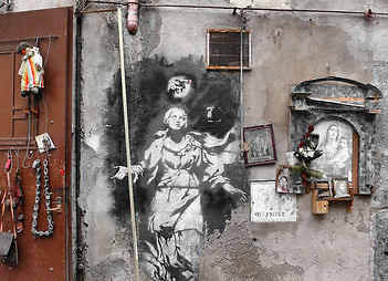 Banksy-Madonna-con-la-pistola.jpg