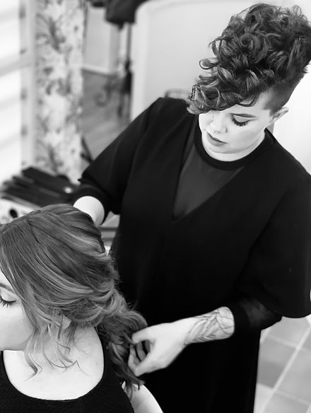 maquilladora barcelona cursos peinados