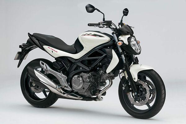 Suzuki SFV650 Gladius 12  1.jpg