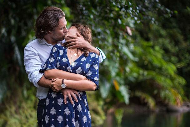 Photo-couple-rivière-Guadeloupe.jpg