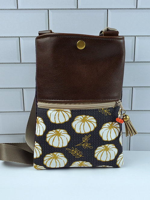 White Pumpkin Forage Bag in Leather