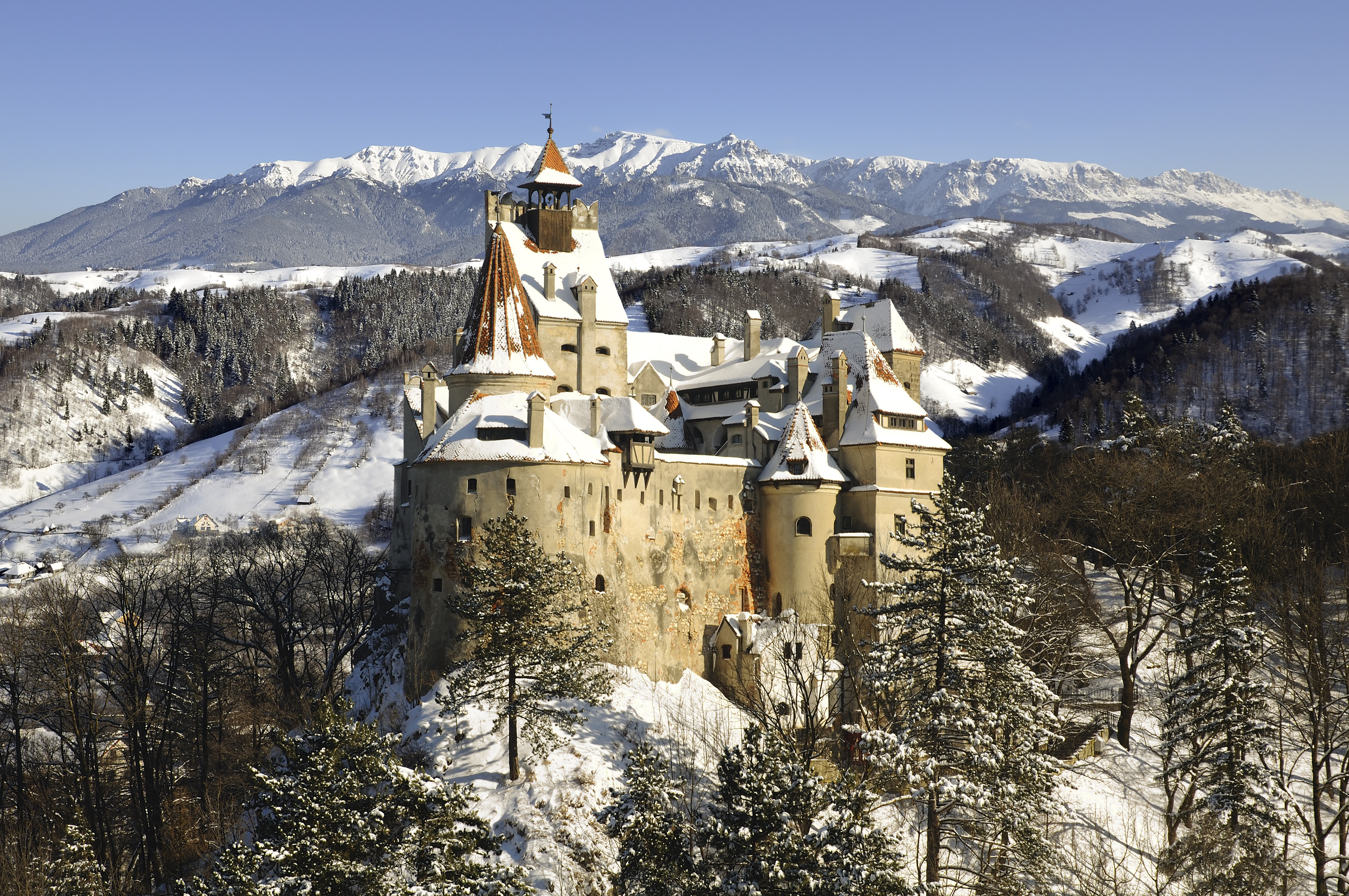Bran Castle Winter Mountains