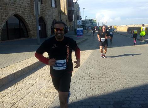 מרתון, עסקים וחברים לדרך