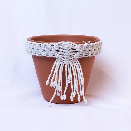 Pot with Macramé Necklace (PSP 002)