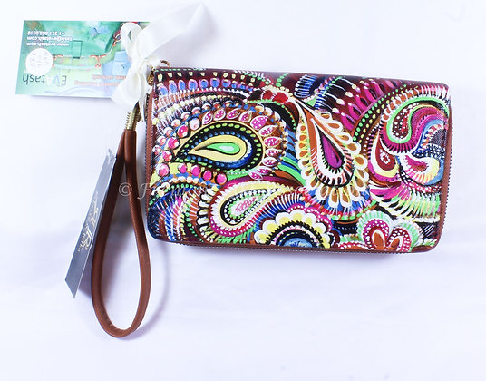 Cucumber decorated Clutch (NVB 016)