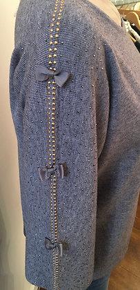 Bow sleeve knit