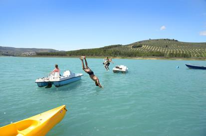 Schwimmen im trinkwassersauberen See