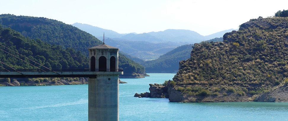 lake-3694205_1920.jpg