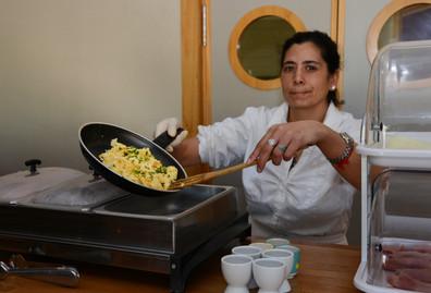 Die Eier werden von einem lokalen Bauernhof geliefert und nach individuellem Wunsch frisch zubereitet.
