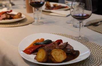 Unser kreatives Chef-Duo Seb und Brionny bevorzugen lokale Produkte und machen ihren Aufenthalt auch zu einem kulinarischen Erlebnis.