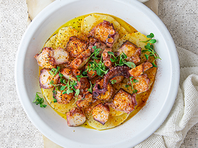 Octopus with potatoes & sweet paprika