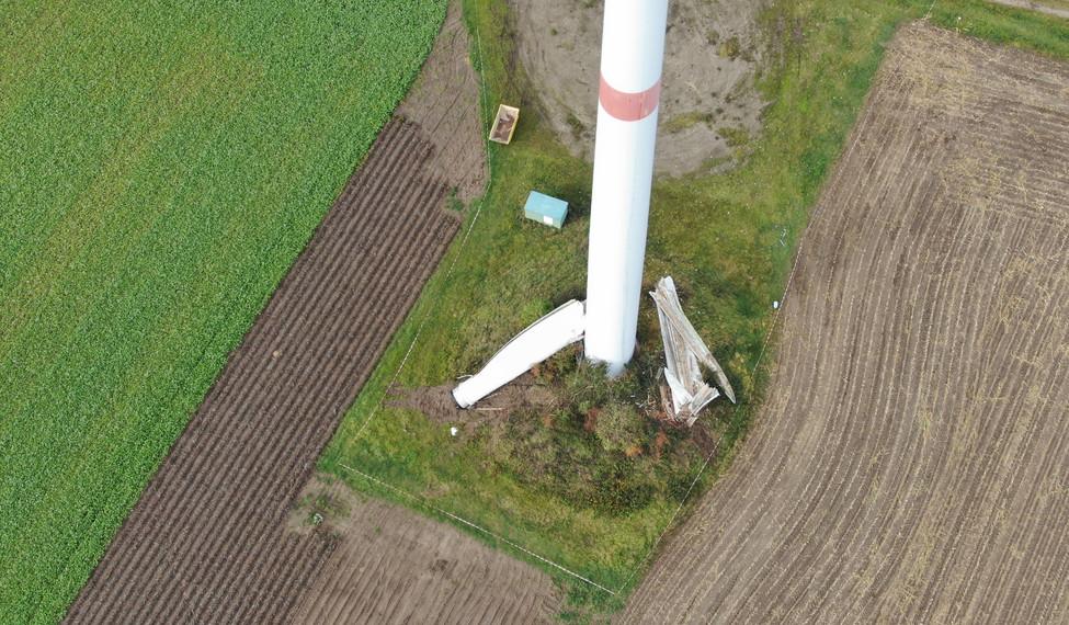 Rotorblattschaden an Windenergieanlage.j