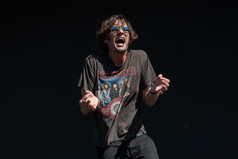 Tyson-Ritter-The-All-American-Rejects-Boston-Schulz