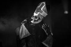 Ghost-Papa-Emeritus-II-Tobias-Forge-Boston-Schulz