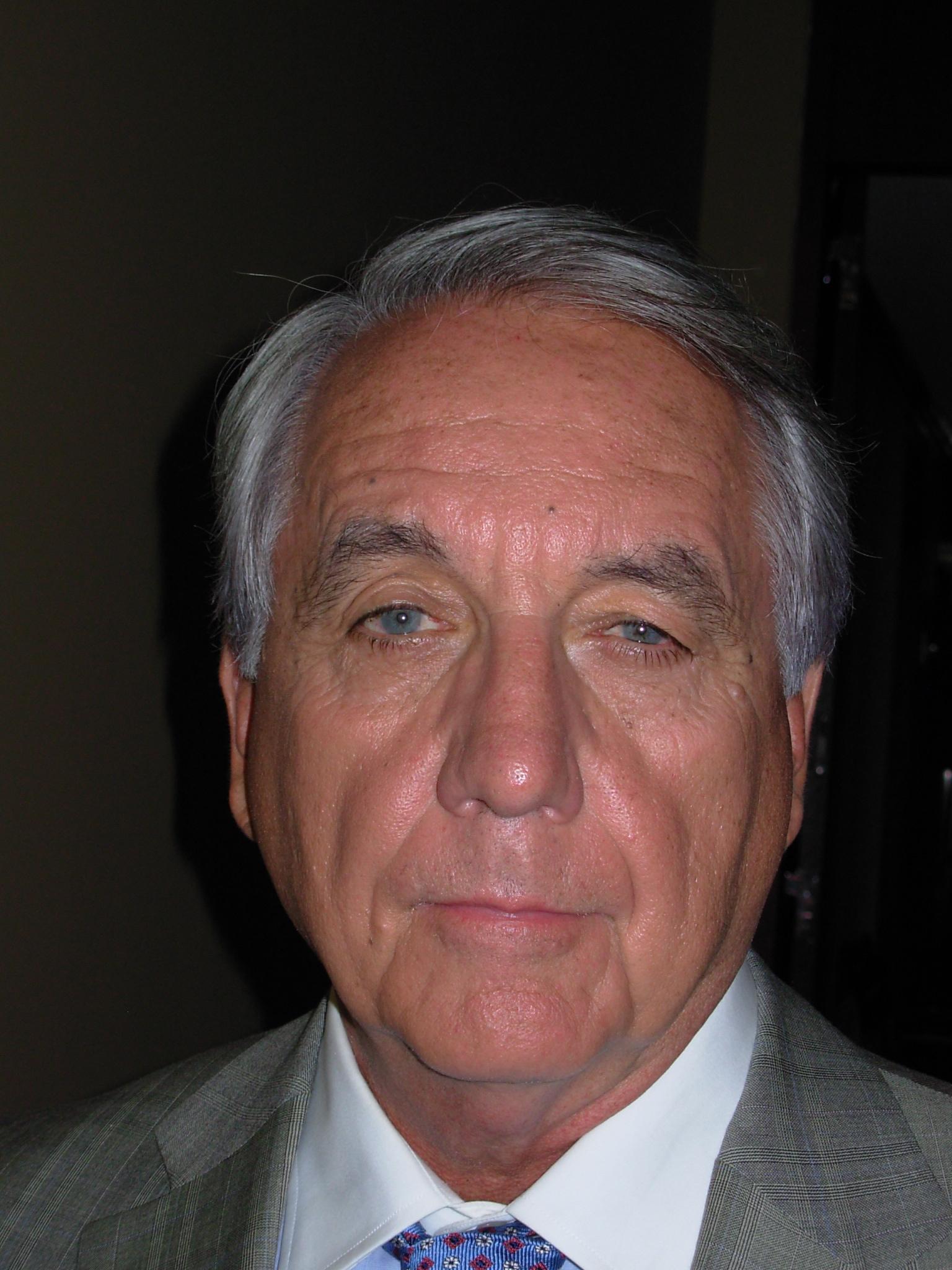 Bob Gunton - Lincoln Lawyer