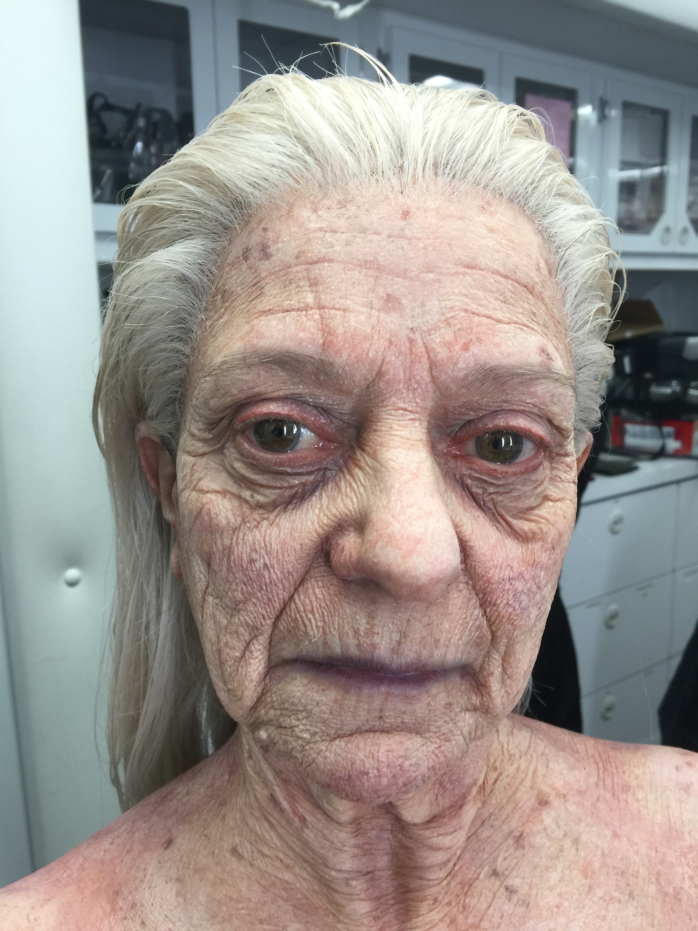 90 yr old woman - Grimm
