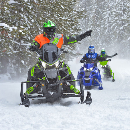 Safe Riding Tips for Snowmobiles - Hand Signals