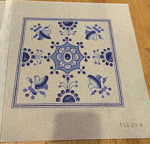 Plum Designs TSG34-B Blue/White Fleur de lys 13 mesh