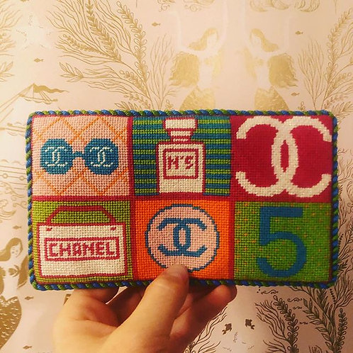 MF-01B Everything Chanel Sunglass Holder - Bright