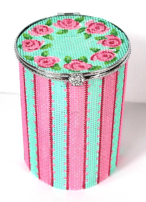 BXMR01 Med. Round Wreath or Roses & Picot Ribbon Stripes