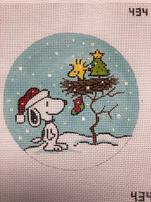 Heidi Snoopy and Woodstock with tree