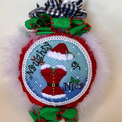 Funda Scully Naughty or Nice Ornament and Stitch Guide
