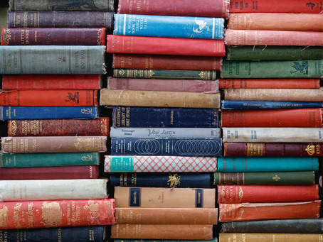 Can It Ever Be Useful To Judge A Book By Its Cover ?