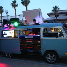 Alf Alpha DJ Bus