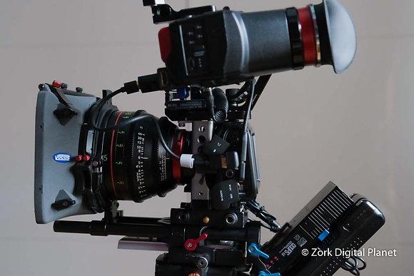 Blackmagic Pocket CC 4K in Kit con Ottiche cinema Canon Cn + EVF