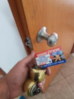 פורץ מנעולים דלתות עץ באשקלון