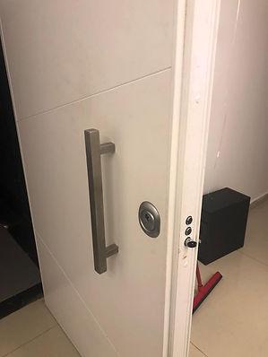 החלפת צילינדר לדלת כניסה בנתניה