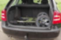 Wanderanhänger im Kofferraum