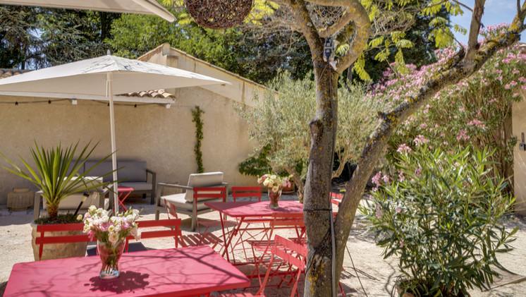 Le patio du Mas Saint-Gens