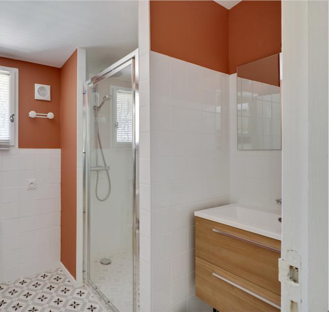 House of Dreamers_ bathroom, Mas Saint-Gens